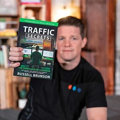 Russell Brunson vs Traffic secrets